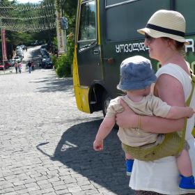 Nosidełko Tonga kolor limonkowy - Maja i autobus